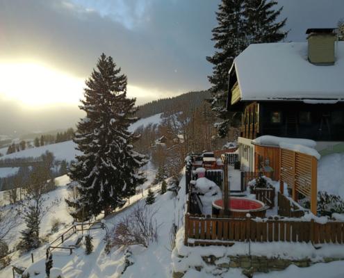 Schöne Grüße aus der klirrend kalten Steiermark.